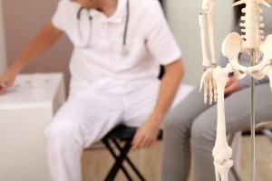 Orthopaedie-Osburg TCM Wuppertal orthopaedische Untersuchung